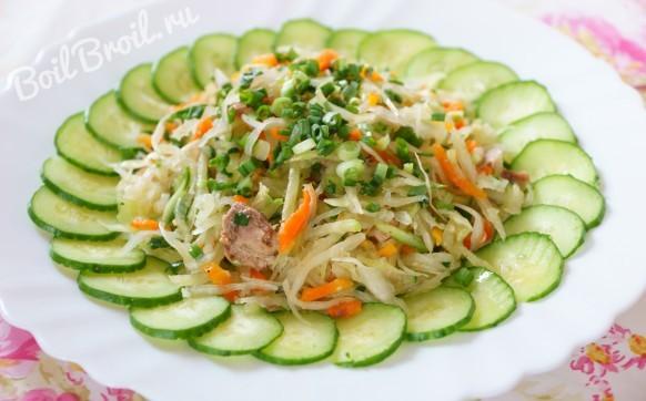 Салат с тунцом и овощами