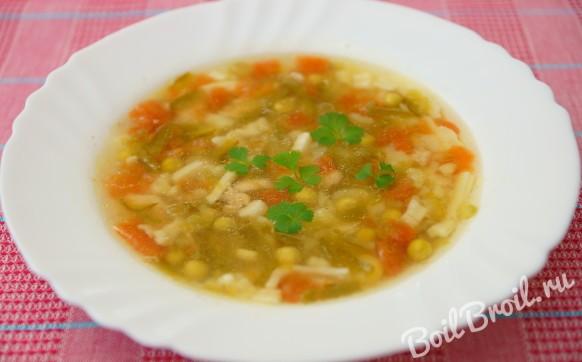 Суп со свежим зеленым горошком
