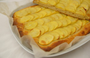 Открытый пирог с картошкой
