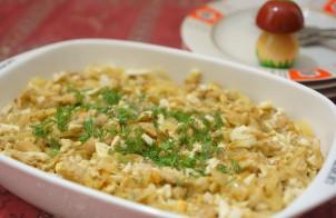 Салат из грибов с яйцом и луком
