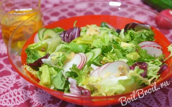 Салат с шампиньонами и огурцами