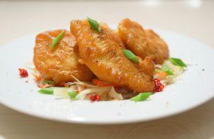 Куриное филе в кляре на сковороде