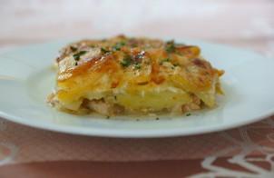 Горбуша, запеченная в духовке с картофелем