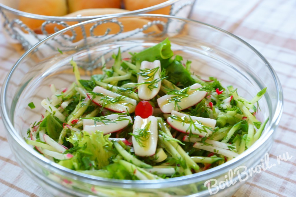 Салат с редькой и огурцом с
