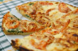 Пирог со шпинатом и помидорами