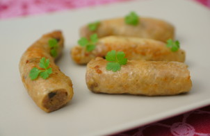 Куриные колбаски с грибами и сыром