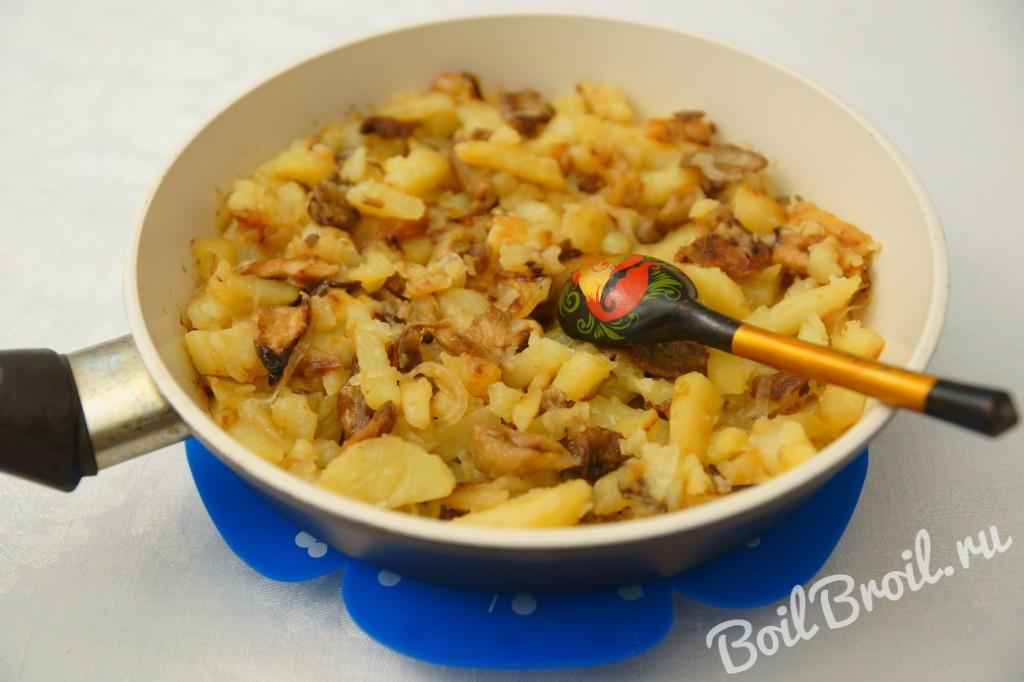 грибы жареные с картошкой фото рецепт пошаговый