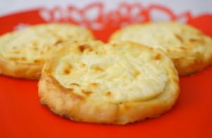 Картофельные ватрушки с творогом