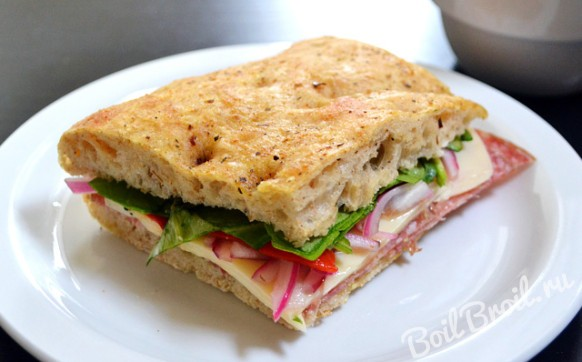 Праздничные бутерброды с колбасой
