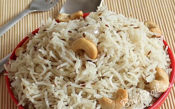 Рис по-индийски с орехами