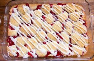 Пирог бисквитный с вареньем