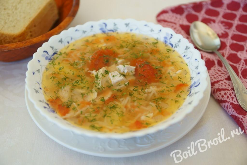 суп с курицей и вермишелью и картошкой