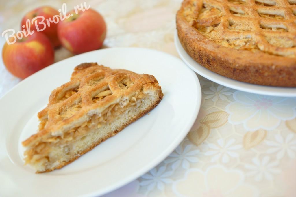Пирог с натертыми яблоками