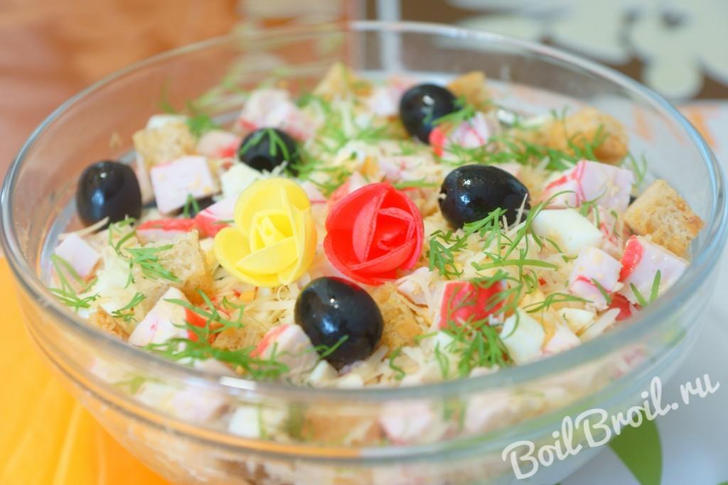 рецепт салата с крабовыми палочками с сыром и