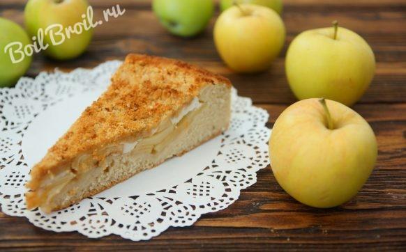 Пирог с яблоками со сметаной